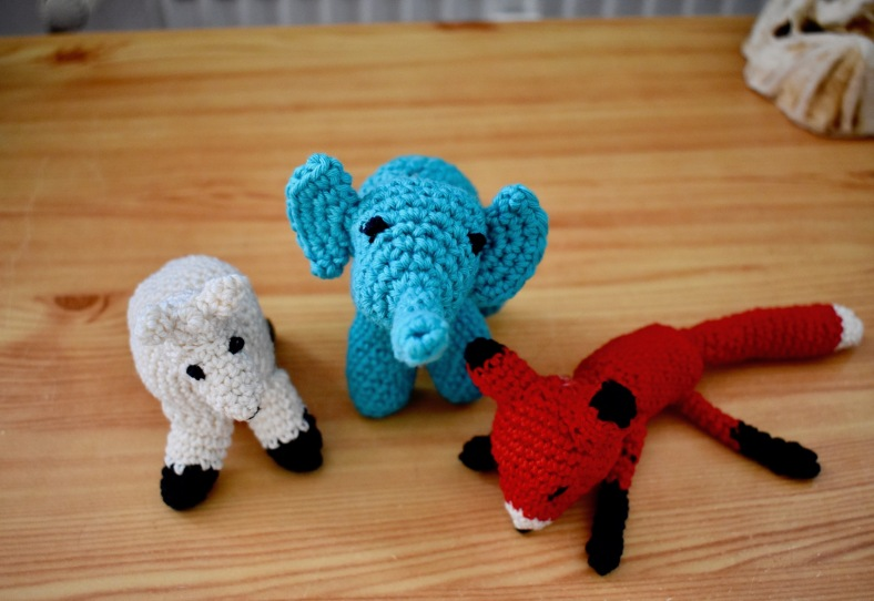 amigurumi family of three